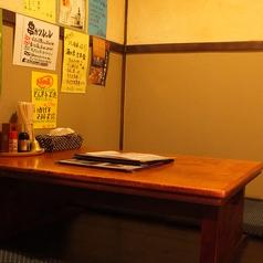 ゆったり寛げる小上がり半個室席。充実したお時間をお過ごしください。