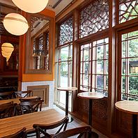 本格中華でカフェも楽しめる、路面店の【カフェ&バー】