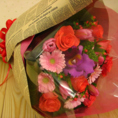 花束代行サービス実施中。ご予算3000円~、前日迄要予約。持ち込みもOKです!