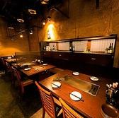 【女子会】ゆったりとしたテーブル席。15名様までの団体宴会席としてもご利用頂けます。飲み放題時間無料延長2h⇒3hOK(クーポン利用時)