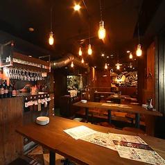 釜焼鳥本舗 おやひなや 浜松町店の雰囲気1