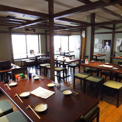 広々とした空間で全席テーブル席です♪ゆっくりと日々の疲れを癒してくださいませ♪貸切、大人数でのご宴会は当店にお任せくださいませ♪