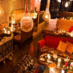 女子会に最適。ヨーロピアン調の豪華なソファー★夜カフェにも最適♪