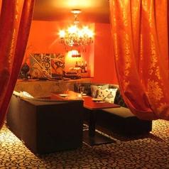 カーテンで仕切ると1組限定の完全個室席が◎お席のレイアウトは自由自在!!様々なシーンでご利用頂けます。
