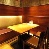 広々としたテーブル席。女子会、お食事会など様々なシーンでご利用いただけます。