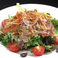料理メニュー写真生ハムとフレッシュ野菜のサラダ