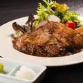 料理メニュー写真甘豚の厚切りステーキ(250g)~和風おろしとわさびで~