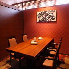 少人数様におすすめのテーブル個室席。宴会に最適なお得な飲み放題付きコースもご用意しております。(銀座/居酒屋/個室/飲み放題/和食/宴会/接待/海鮮/大人数/団体/日本酒/カニ)