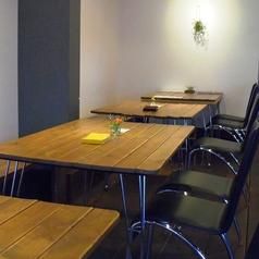 ベンチタイプのテーブル席はお子様連れのお客様に人気☆
