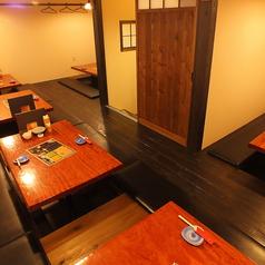 【1F】最大宴会人数26名様までOKの掘りごたつのお席です。テーブルごとに仕切りもあるので少人数にも対応可能!