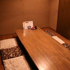 1F:掘りごたつ式の完全個室です。