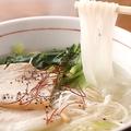 料理メニュー写真各種米麺⇒酸辣湯麺/塩豚肉の米麺/麻辣米麺