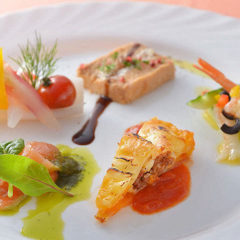 【秋冬限定】前菜盛り合わせ、パスタ、地鶏が食べれるお得なディナーコース《7品》