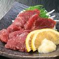 熊本直送の新鮮で美味しい馬刺しが食べられます!臭みなどのクセがなく、博多屋台やオススメの逸品です♪