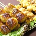 料理メニュー写真串焼き盛り合わせ(4本)