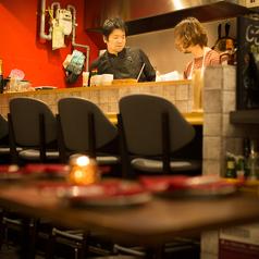 【じろう食堂】カウンター6席、テーブル12席