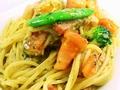 料理メニュー写真ベーコンとトマトのジェノバ風