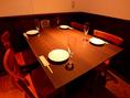 少人数でのご利用は落ち着くテーブル席。会社宴会や女子会、