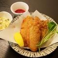 料理メニュー写真ジュワッと旨味が溢れる【オイスターフライとチップス(大 牡蠣5個)】