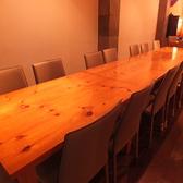 人数、ご要望に応じてテーブルをご用意致します。