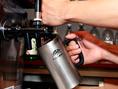 温まらず、冷たいまま楽しめるドリンクグラス★生ビールはもちろんサーバーからお注ぎいたします!!