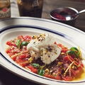 料理メニュー写真本鮪のカルパッチョ リコッタチーズとピスタッキオ