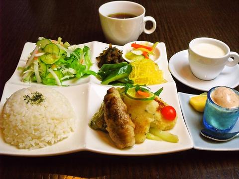 Cafe 青