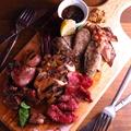 料理メニュー写真豪快グリル肉のおまかせプレート