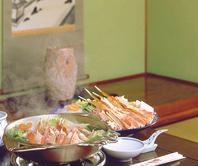 落ち着いた雰囲気の中で新鮮なかに料理を楽しめます