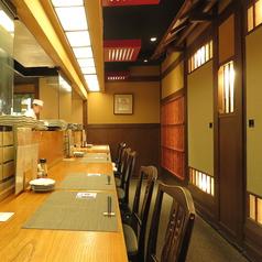 カウンターでお気軽のお食事も。料理場が近くて嬉しい。