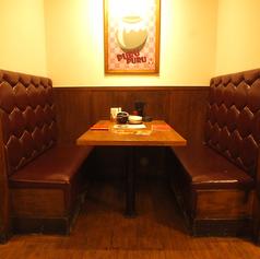 少人数でのちょい飲みや友人との飲み会にぴったりのBOX席もございます。