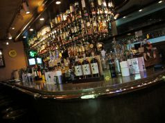 shot bar andre d.d.house店の写真