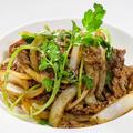 料理メニュー写真ラム肉と玉ねぎクミン風味炒め