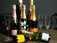 ワインやシャンパンも豊富に取り揃えております♪料理やオードブルに合う1杯を提供いたします。