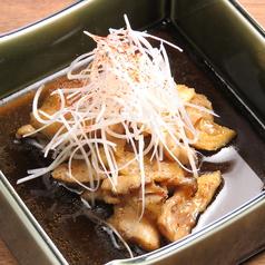 ひね鶏皮の炭焼きポン酢炒め