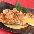料理メニュー写真京丹波鶏ももの黒七味焼き