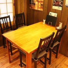 4名様でのご利用に最適なテーブル席。