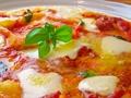 料理メニュー写真イタリア産モッツアレラチーズのマルゲリータ