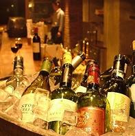 ソムリエ厳選のボトルワインは常時60種以上!