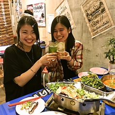 ルンゴカーニバル タイ屋台 タイ式焼鳥と牡蠣 南3条の雰囲気1