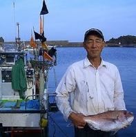 粟島の専属漁師から直送!安くて美味く地元民が集うお店