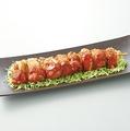 料理メニュー写真超ヘビー級 鶏ももBBQ串