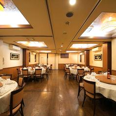 1卓に20名までの円卓個室、全部で6部屋ございます大人数でも円卓での広々と宴会がご利用いただけます!