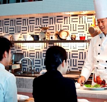 ダイニング菜 琵琶湖ホテルの雰囲気1