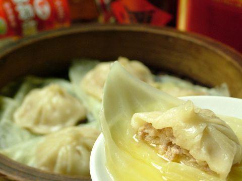 熱々のコラーゲンたっぷり肉汁スープの小龍包など飲茶祭り12品2100円!