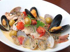 料理メニュー写真本日鮮魚のアクアパッツァ or ズッパ