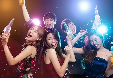 みんなで盛り上がろう!!栄の人気夜遊びスポット☆クラブ初心者も大歓迎!!女性特典有り