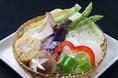 新鮮な季節のお野菜もご堪能頂けます。