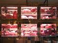 熟成肉(ドライエイジング)。常時、半頭の在庫の中から最良のコンディションでご提供。