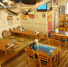 魚屋直営食堂 魚まるの雰囲気1